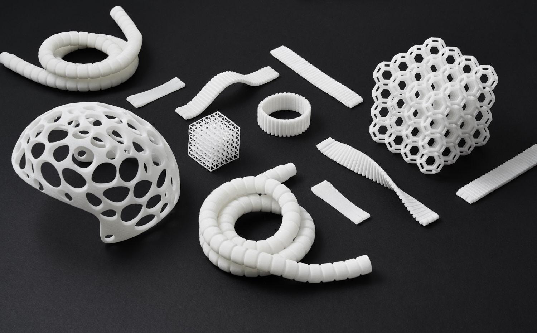 flatlay-3d-printing-parts-sls