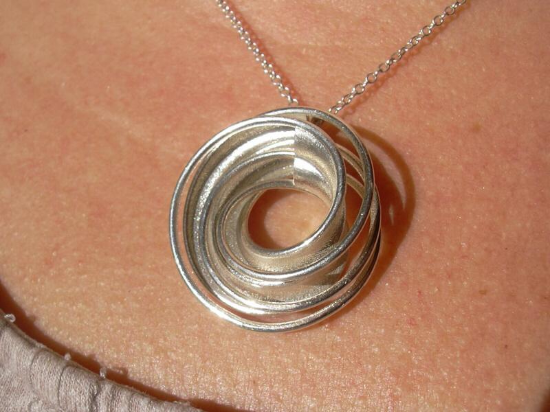 066-twin-rail-silver-on-chain-03-sml.JPG