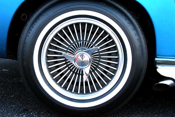 1965-Chevrolet-Corvette6.jpg