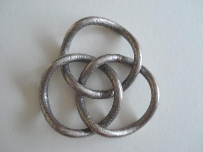 brunnian pendant.JPG
