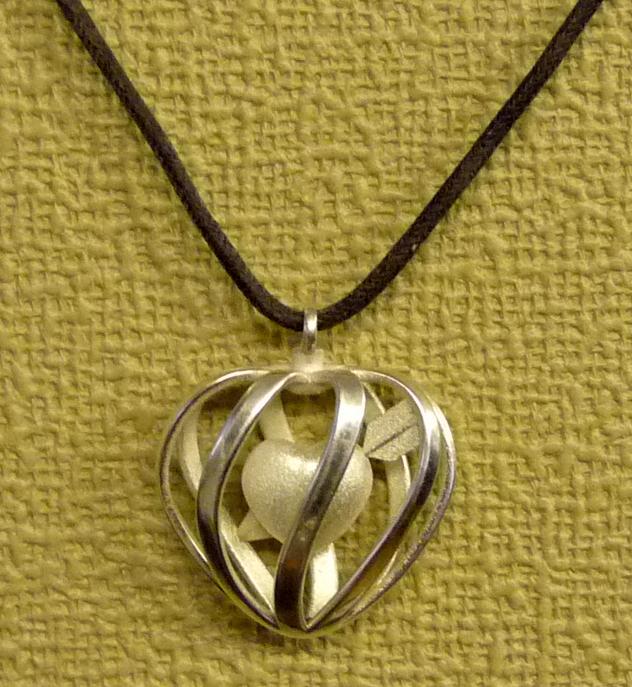 Heart Cage Pendant 5.jpg