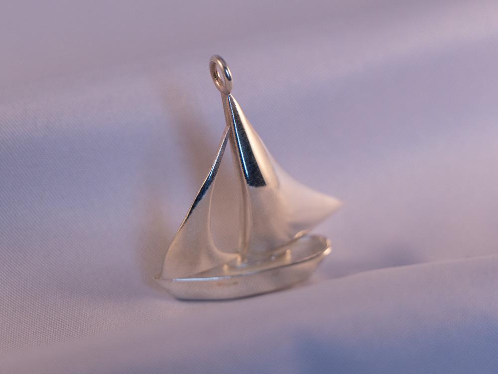 sailboat-silver1.jpg