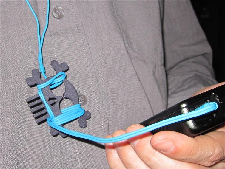 Skull & Bones headphones  cord manager4.jpg