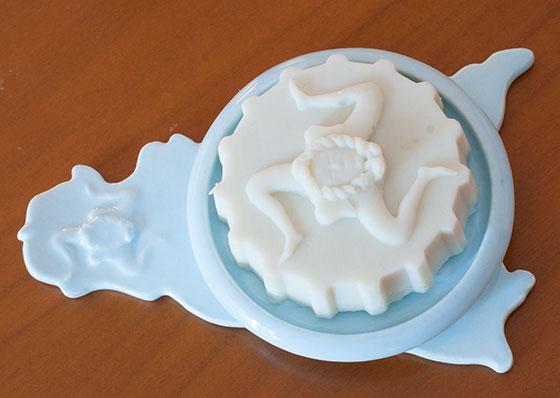 soap-dish-blue.jpg